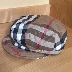 *  NEVER WORN * Burberry Beret Traditional